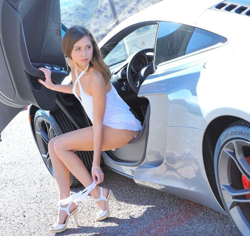 seksualnie-devushki-i-avto