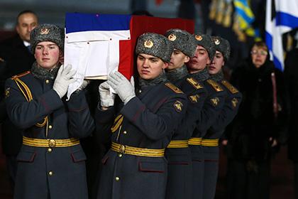 Кабмин утвердил порядок похорон погибших российских послов