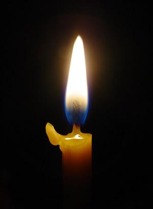 Картинка свеча горящая