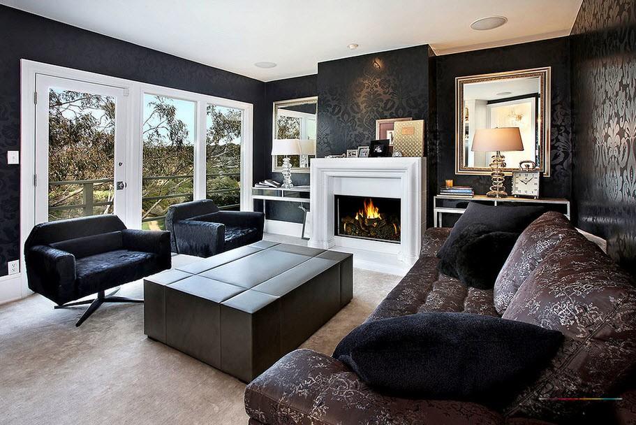Эффектный интерьер гостиной с черными обоями в рисунок