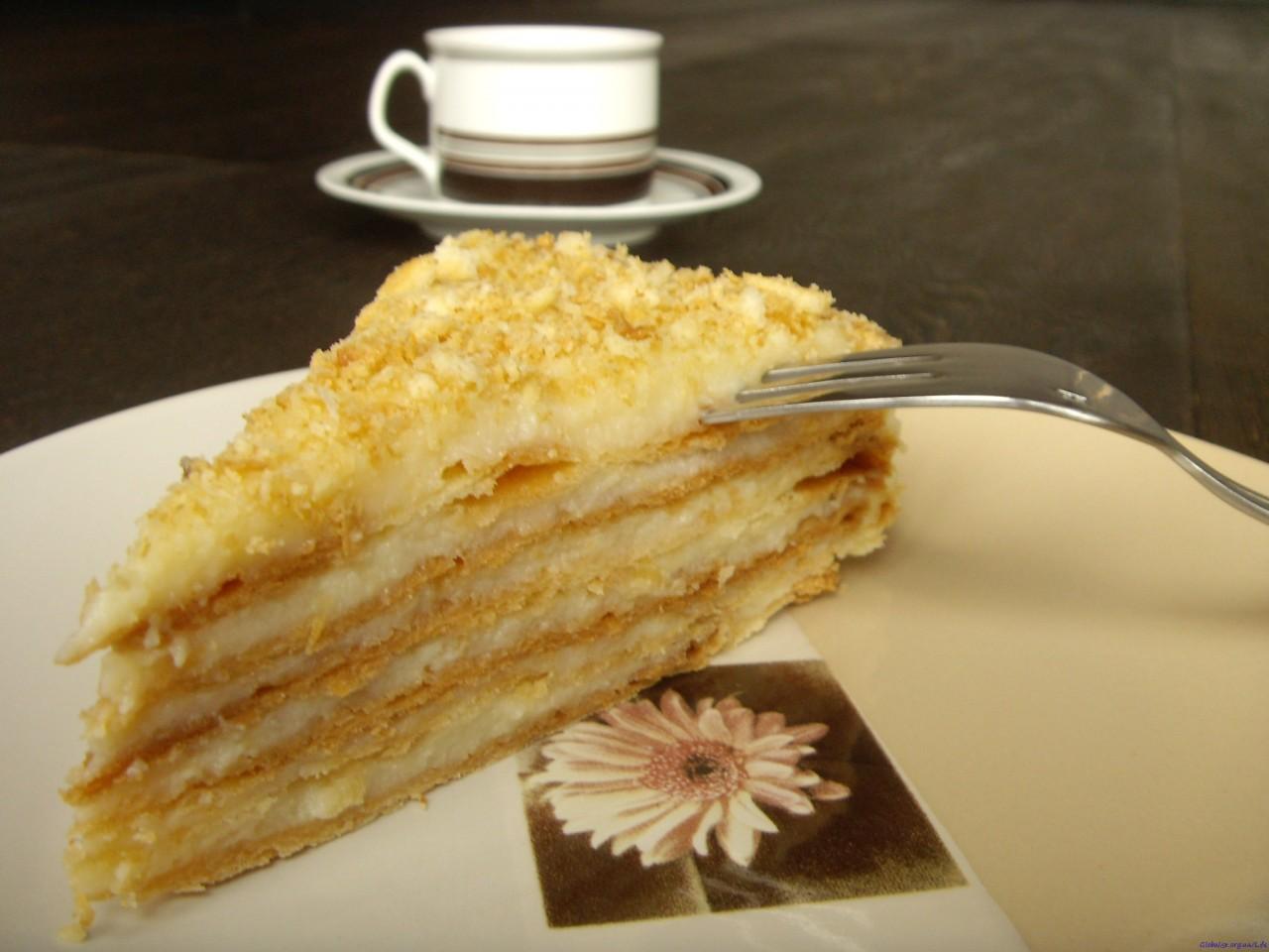 Как, не имея духовки, испечь торт «Наполеон»