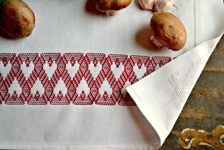 Кухонное полотенце с вышивкой