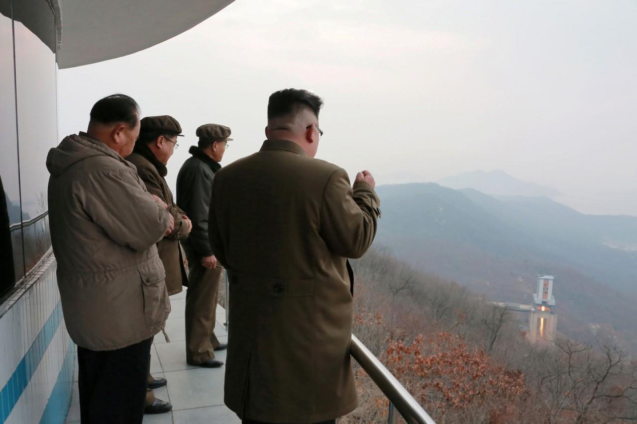 СМИ: КНДР запустила баллистическую ракету