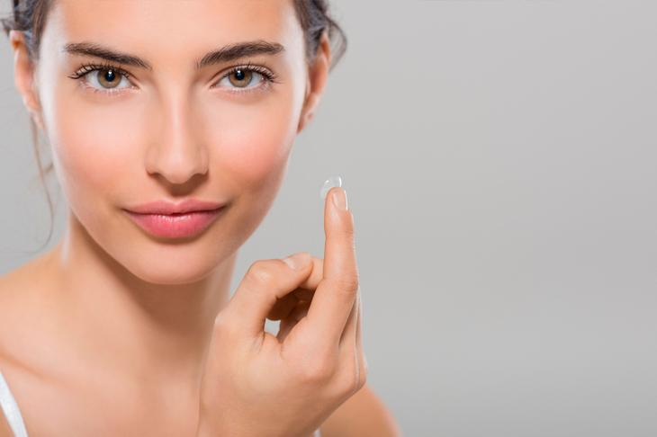 7 правил макияжа для тех, кто носит контактные линзы