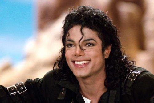 Топ-10: самые впечатляющие факты про Майкла Джексона