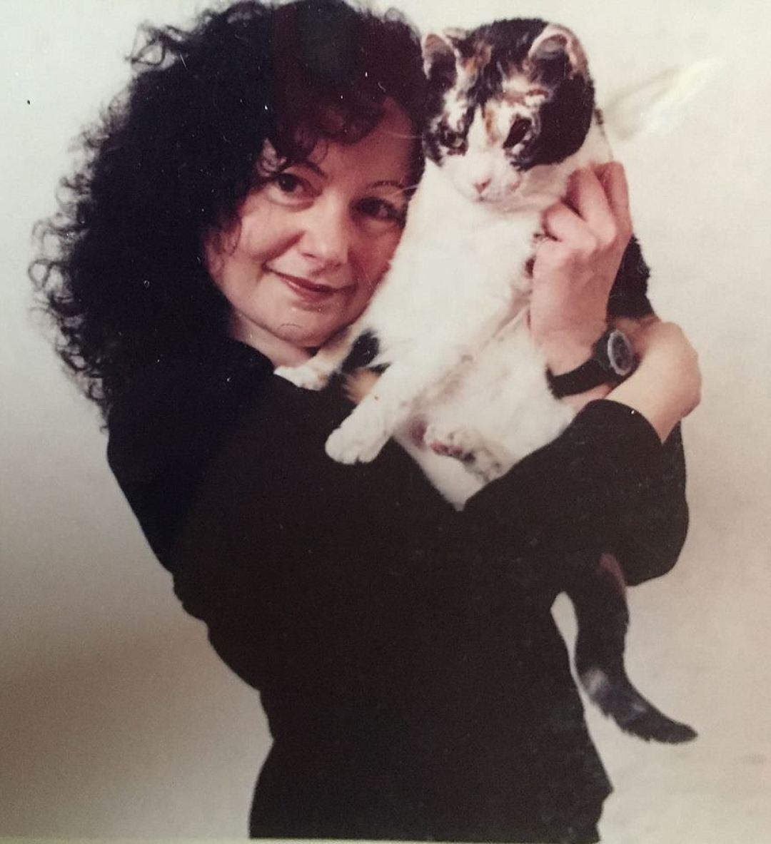Карен Уэллен обещала представителям Лиги защиты животных, что будет заботиться о Скарлетт, как о родном ребёнке. И сдержала своё слово. Фото: Личная страничка героя публикации в соцсети