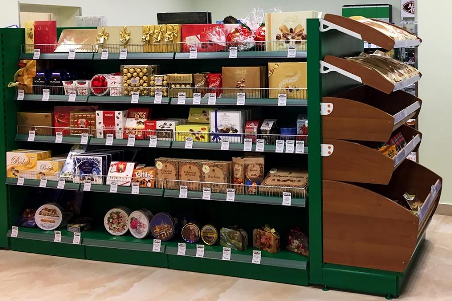 Коньяк, доширак и эксклюзивные кремлевские товары в супермаркете Госдумы
