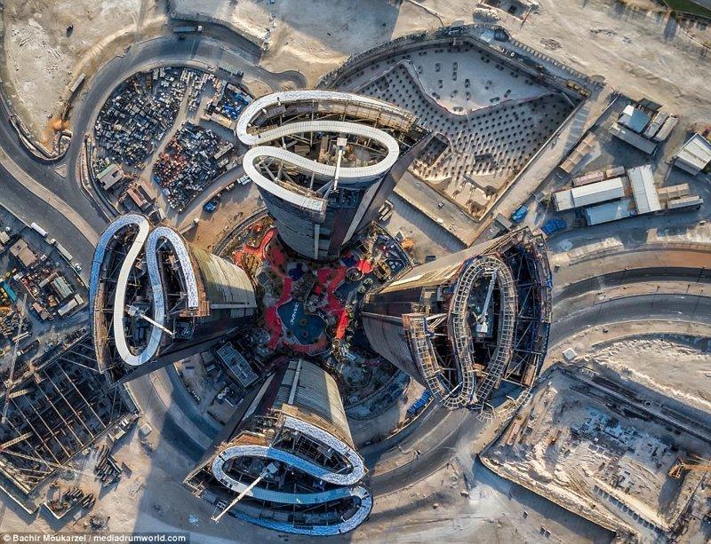 Небоскребы Дубая с высоты пт…