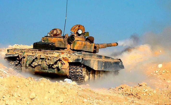 Т-55 мощным выстрелом разгромил пулеметное гнездо сирийцев