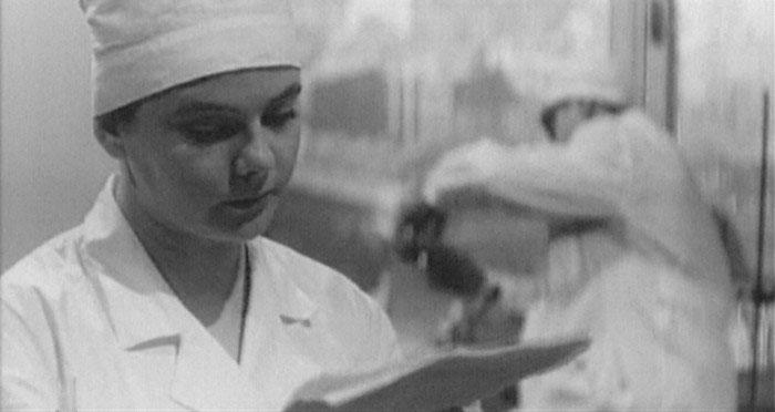 Как сложилась судьба прекрасной учительницы русского языка и литературы с заречной улицы Нины Ивановой.