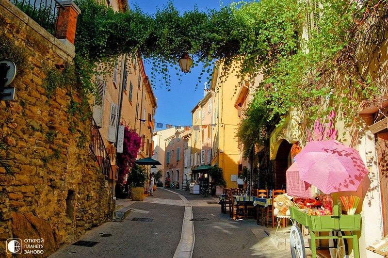 Сказочный прованский город Борм-ле-Мимоза. Франция