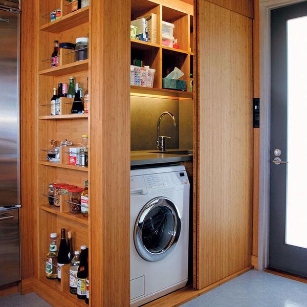 Прячься скорее в шкаф! Семь идей о том, как сделать квартиру просторнее