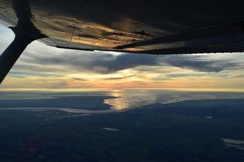 Самолет рейса  UT295 вернулся в аэропорт Внуково из-за аварийной ситуации