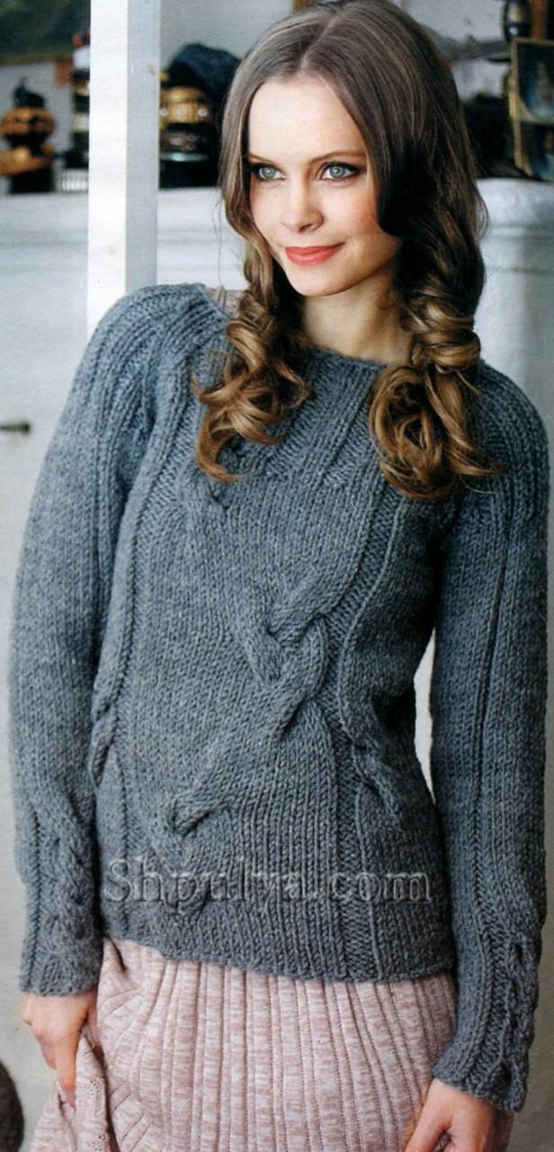 Оригинальный пуловер с узором из кос