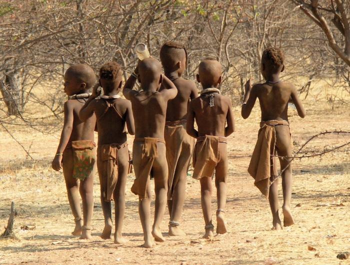 фото африканських голих дівчат