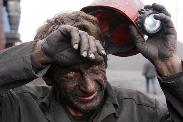 Украинские боевики вновь обстреляли шахты в ДНР