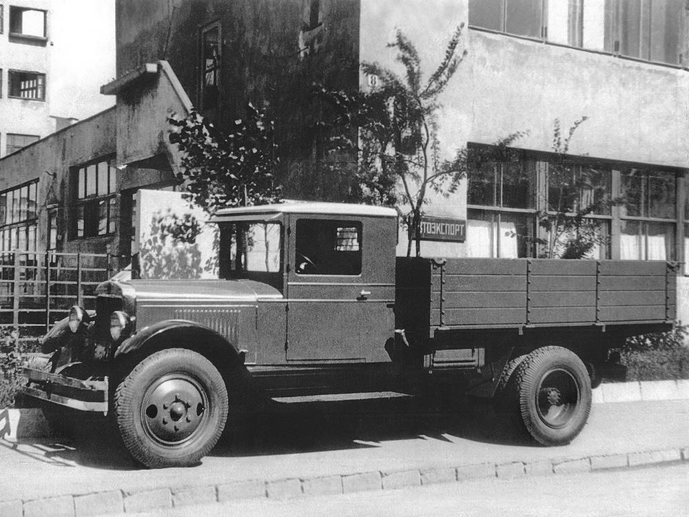 Именем Сталина: на дизеле за первым советским дизелем