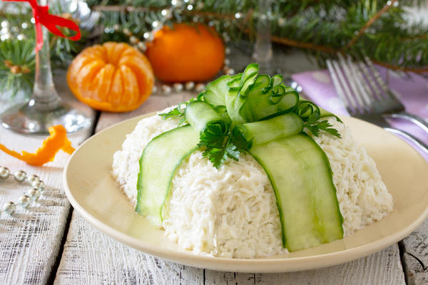 Салат с жареным миндалем