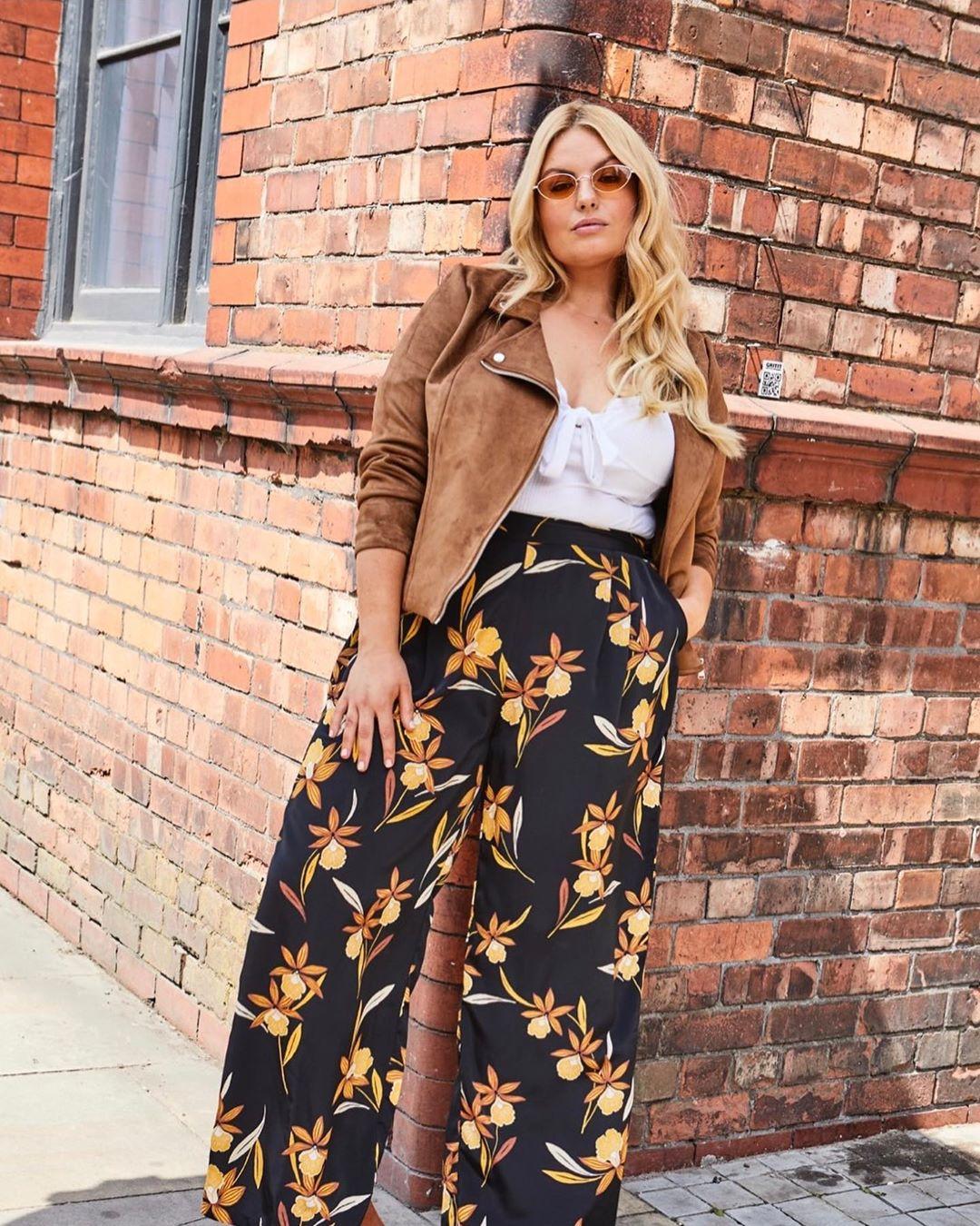Модные тенденции осени 2019 для полных женщин фото 16
