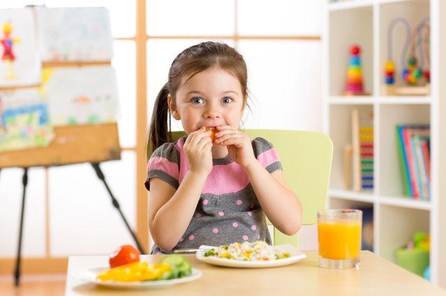 Сырники с клюквой и ленивые вареники. Рецепты завтраков для детей