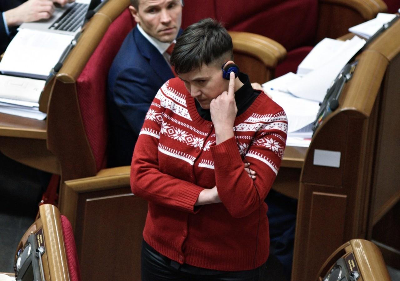 """Савченко предложила коллегам не рвать на себе """"вышиванки"""" и отказаться от Крыма"""