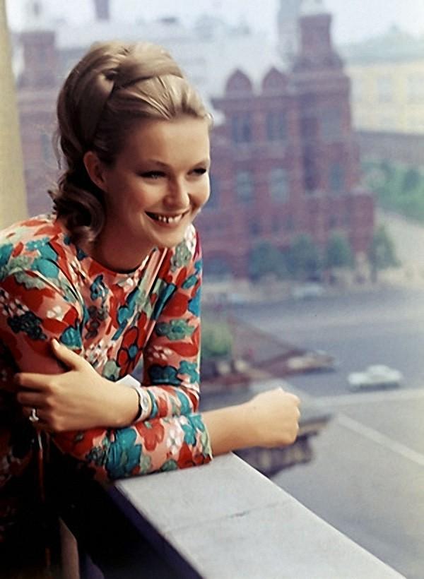 Марина Влади в дни проведения IV Московского международного кинофестиваля. 1965 год