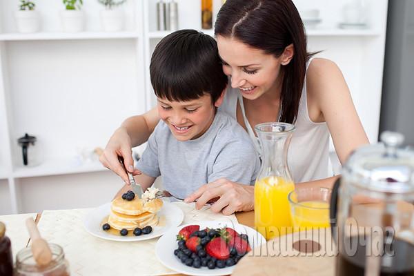 Самые полезные сладости для детей и мам: ТОП 10