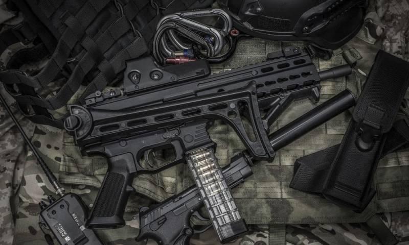 Самозарядный карабин под пистолетный патрон Stribog SR9A2 компании Grand Power