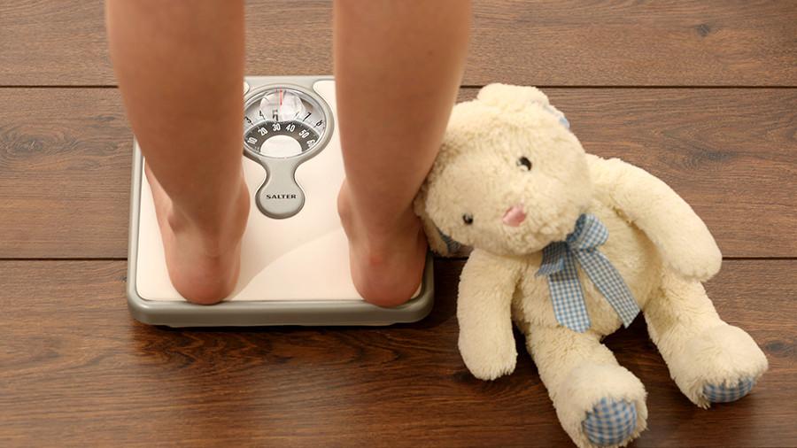 Массовая проблема: Детей с ожирением в России стало вдвое больше