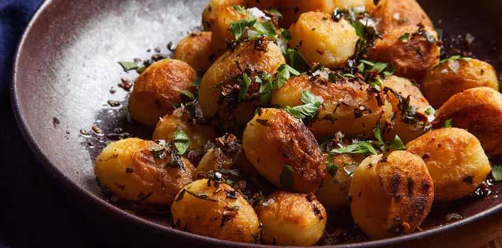Отварной картофель, жареный в масле