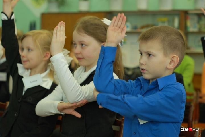 Психологами доказано, что сравнение с другими не приносит пользы ни детям, ни взрослым, а приводит к неврозу
