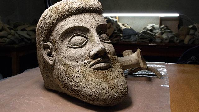 При строительстве Крымского моста обнаружили голову древнегреческой статуи