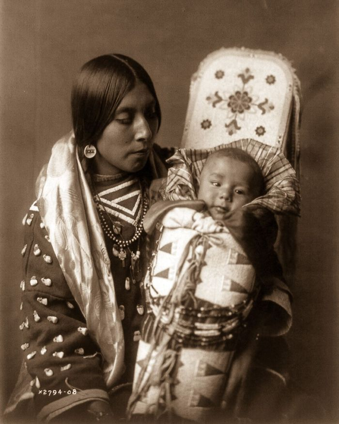 Rare 1900s Photos Capture How Native Americans Lived 100 Years Ago