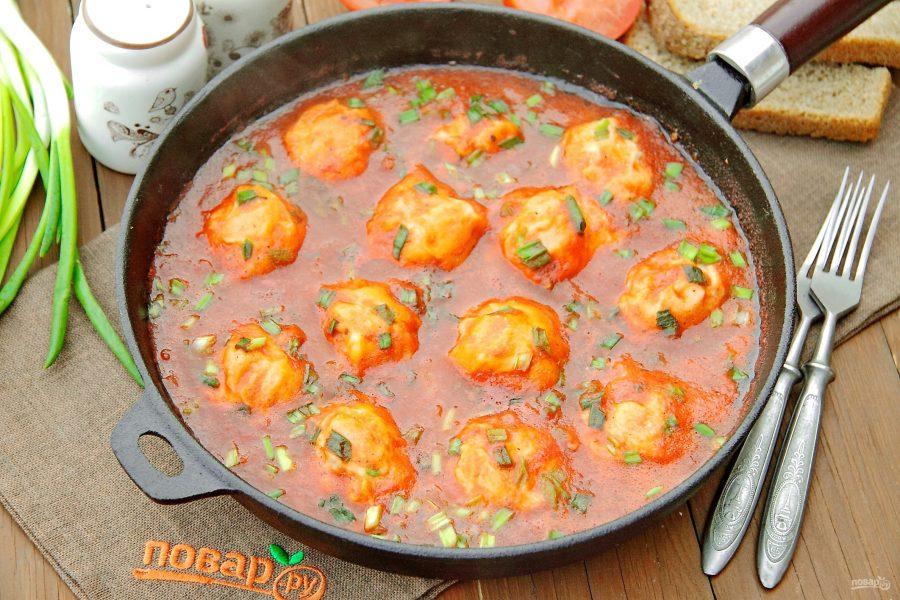 Клецки с фасолью в томатном соусе