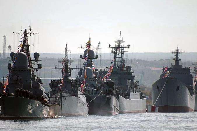 Российский флот вышел в Черное море