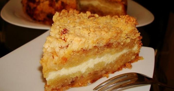 Очень вкусный тертый пирог с творогом