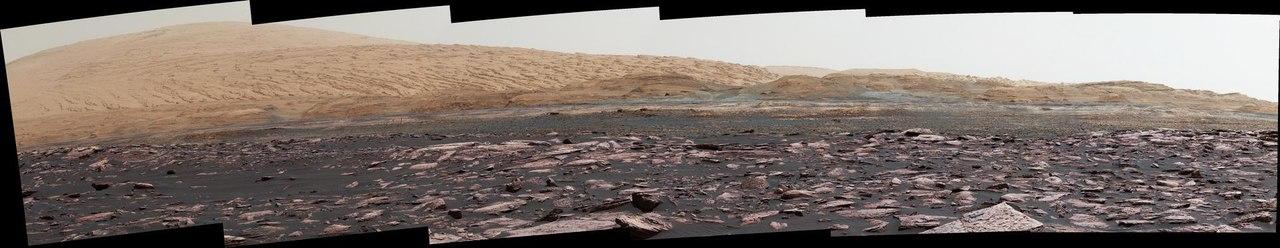 Curiosity начал активно исследовать марсианский гребень
