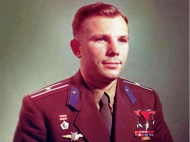"""""""Кедр! Я Заря-1"""" 12 апреля 1961 года, советский космонавт Юрий Гагарин впервые облетел земной шар"""