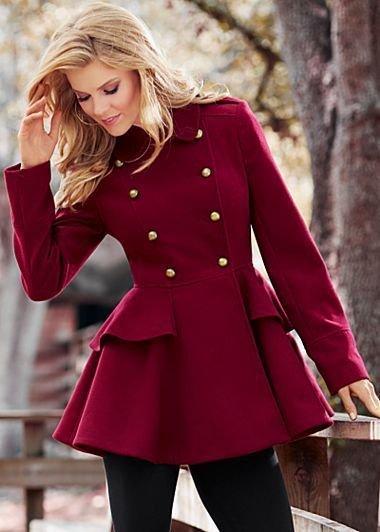 Роскошный выбор на весну  -- пальто цвета марсала