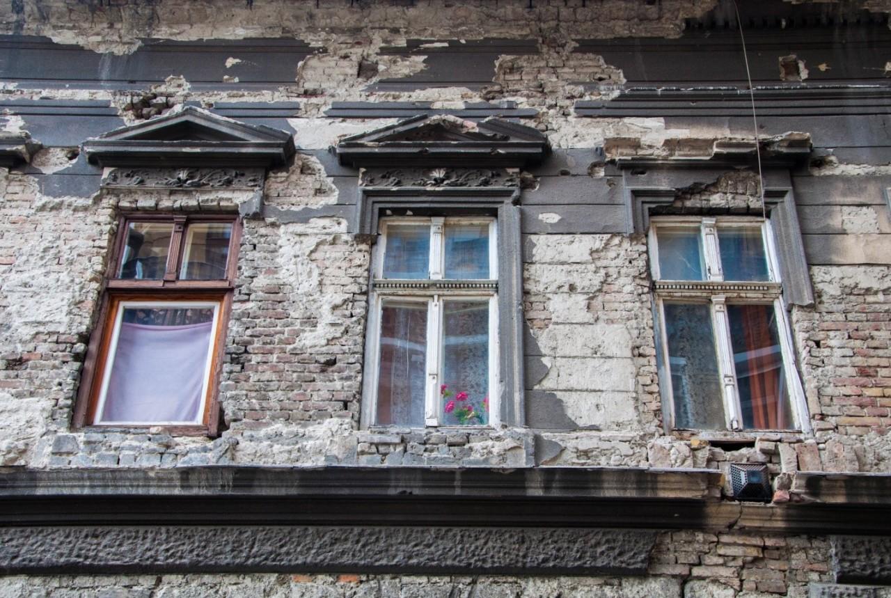 Разрушающееся здание в Будапеште