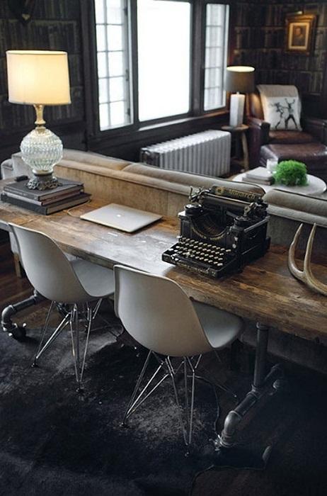Интересное и удачное решение для оформления старинным стилем в рамках современности места для отдыха.
