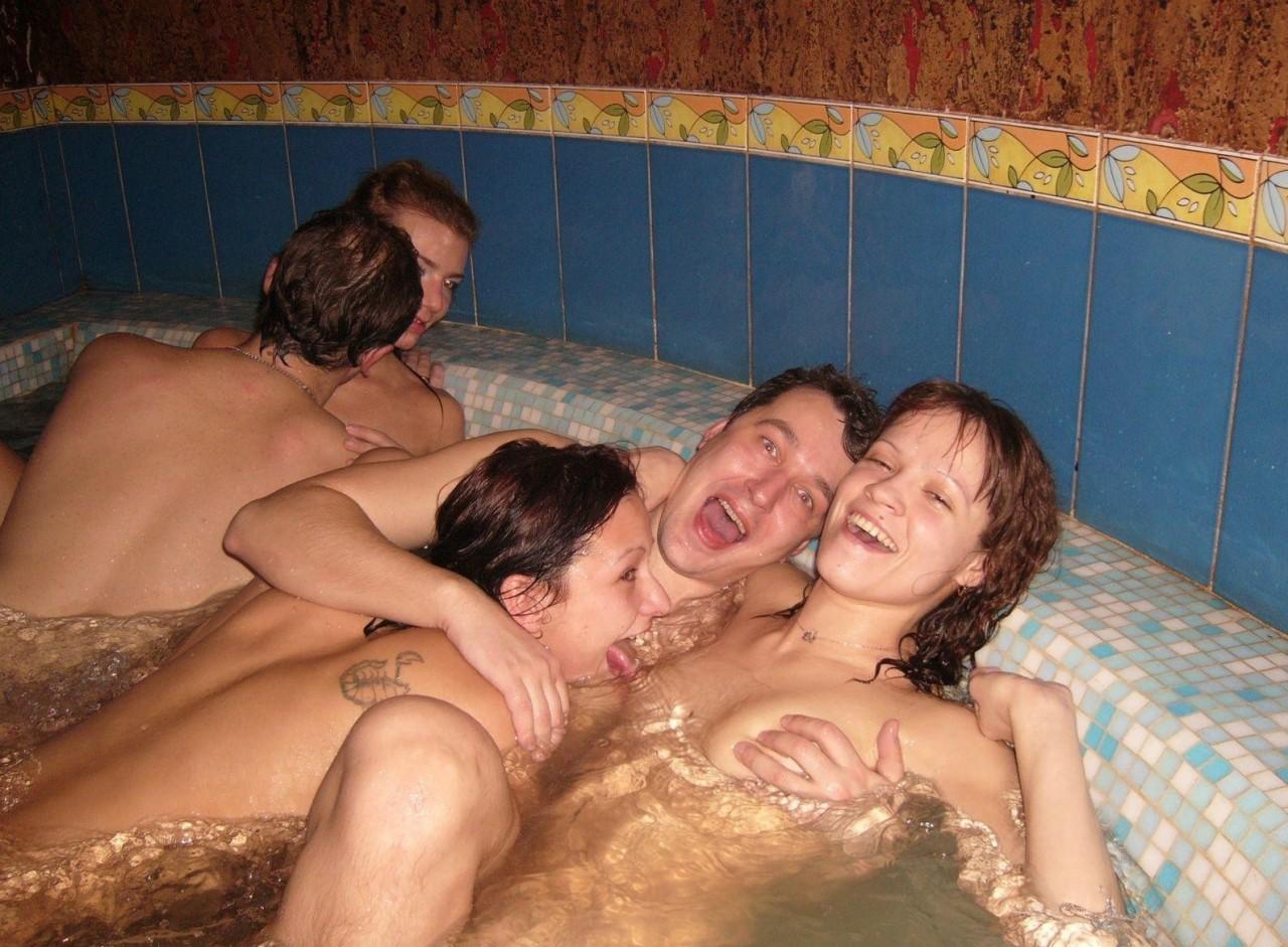Русские в сауне с праститутками