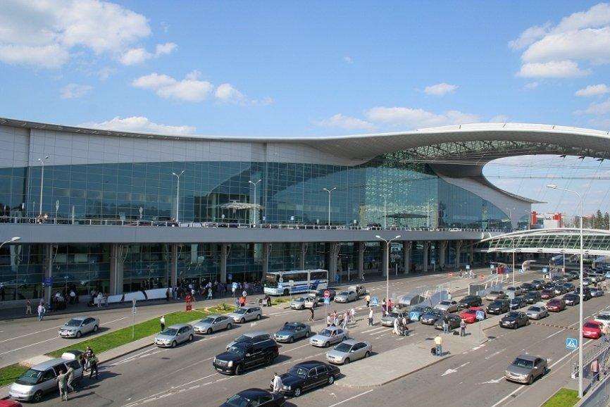 УФАС призвало петербургский аэропорт Пулково разобраться с парковкой и «штрафниками поневоле»