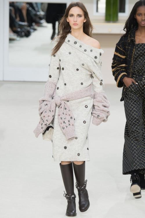 платье Chanel, модные тенденции 2017, вязаный подиум 2016, вязаные платья мода (фото 12)