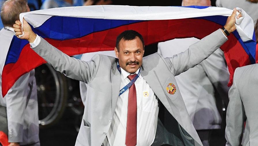 Белорусский спортсмен, который пронёс флаг России в Рио, прокомментировал свой поступок