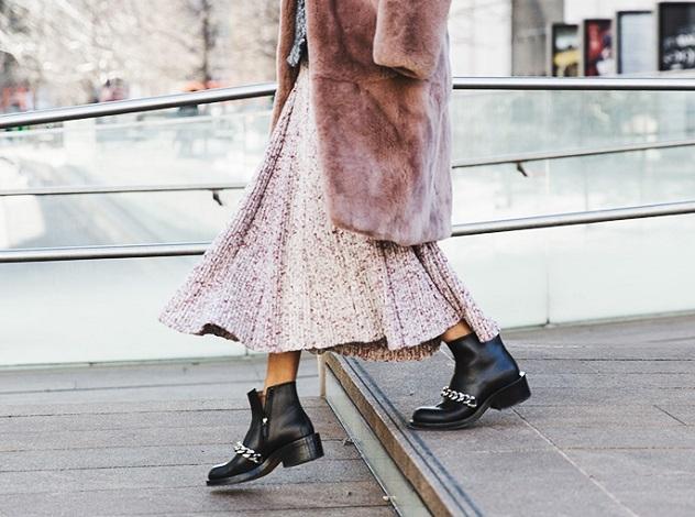 Картинки по запросу givenchy boots street style