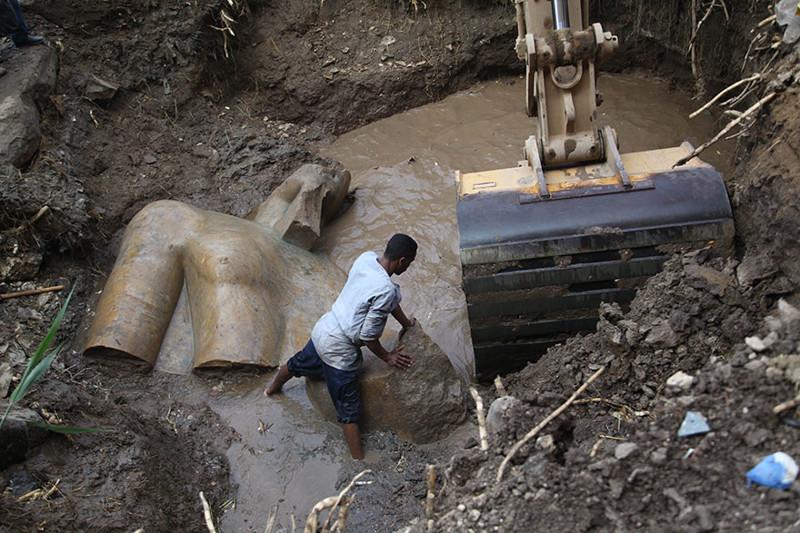 Эта находка, сделанная в каирских трущобах, потрясла археологов