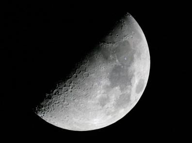 NASA знает, но скрывает эти данные: На Луне нашли базу инопланетян