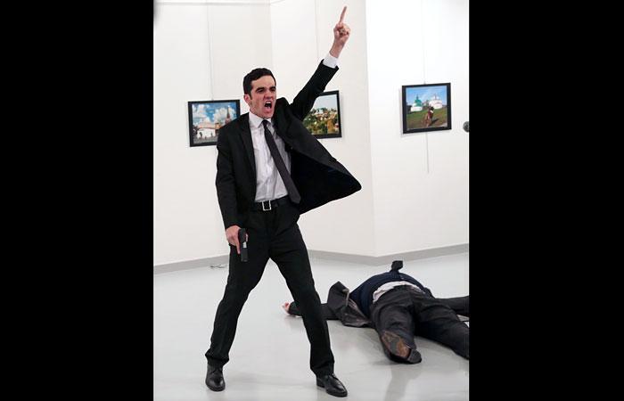 Главную награду World Press Photo присудили за снимок убийцы посла РФ в Турции