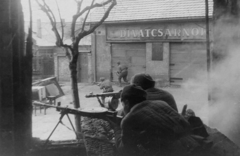 75 лет назад советские войска взяли штурмом Будапешт